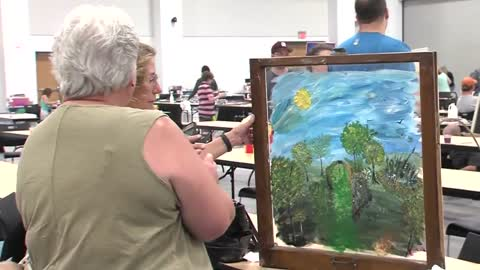 Hundreds trying to set new window painting world record in Appleton