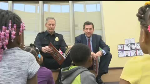 Wisconsin Leaders Read to Children at Crime Prevention Event