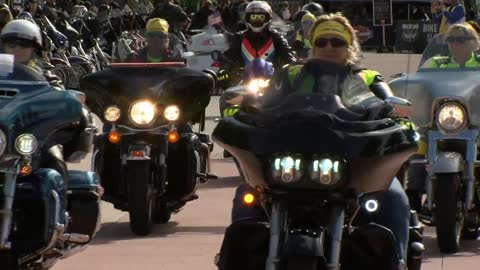 Women's Ride at the Milwaukee Rally