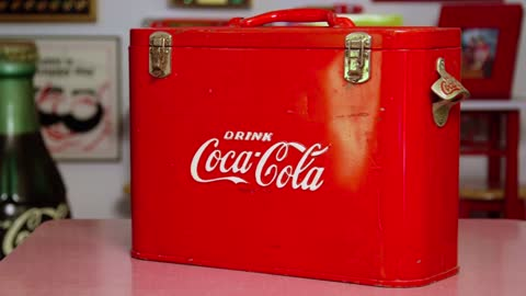 Collector's Call Web Extra: Coca-Cola Airline Cooler