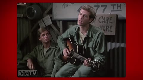 Loudon Wainwright sings a tribute to nurses on 'M*A*S*H'