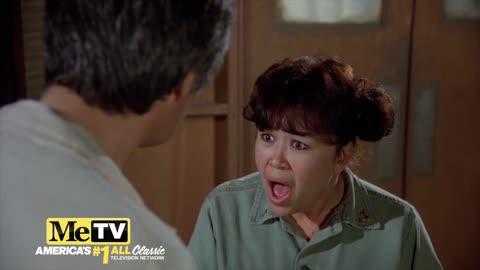 Nurse Kellye tells Hawkeye just how cute she is on M*A*S*H