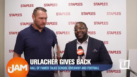 Brian Urlacher Gives Back With Staples