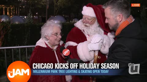 Chicago Kicks Off Holiday Season